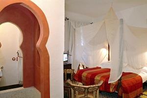 sencillo hotel con encanto en Sevilla