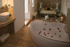 Apartamentos rurales con bañera de hidromasaje en la habitación en Medina Sidonia