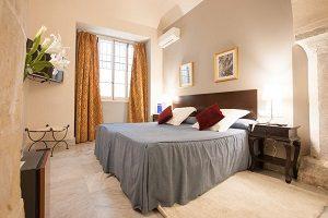 hotel con jacuzzi en la habitación en cadiz