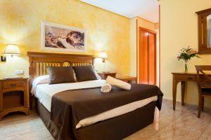 moderno hotel para parejas en La villa de Yuncos