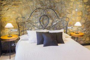 buen hotel con encanto en Castellterçol