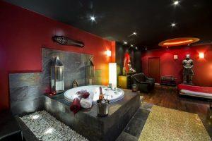 buen hotel para parejas en el centro de Madrid