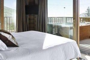Precioso hotel con bañera de hidromasaje y jacuzzi privado y en Sierra Nevada