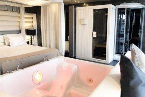 Hotel con sauna privada y jacuzzi en Lleida